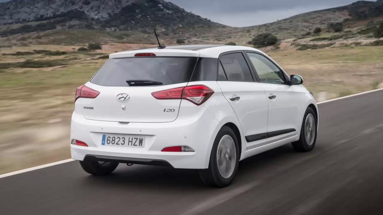 hyundai i20 active review 2017
